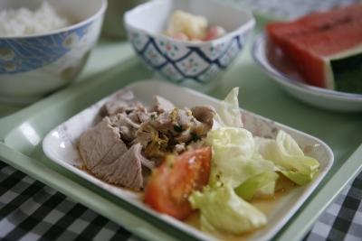 福祉施設・病院では安心・安全で美味しい料理を提供します。