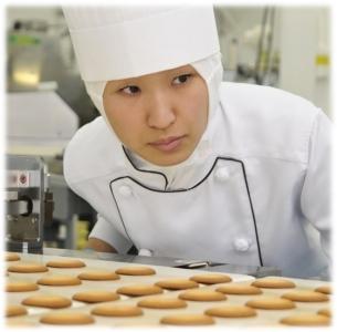 高い製菓技術が身に付く環境でスキルアップを目指そう◎