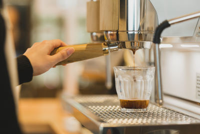 新しいアイディアをドンドン形にしながら、お客様に喜んでいただけるおいしいコーヒーを追求しています。