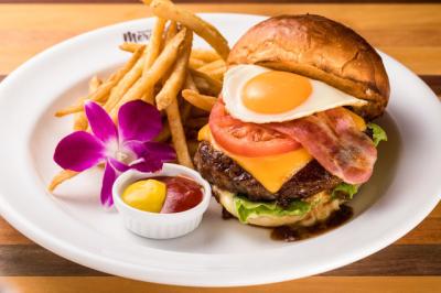 本格的なハワイアンフードを楽しめるカフェ◎明るい雰囲気のお店で働きたい方にぴったりの環境です!