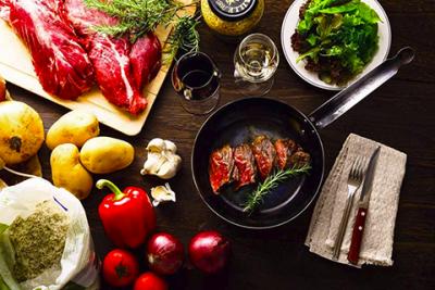 伝統的な調理法はもちろん、フランス料理のすべてを学べる環境をご用意しています。