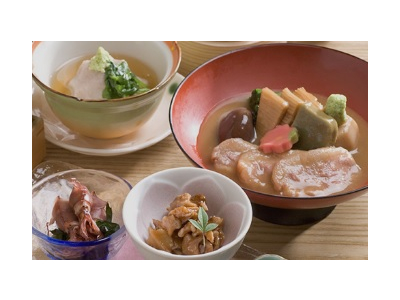 1971年の設立以来、国内に和食店を12店舗、国内外にラーメン店249店舗を展開している企業