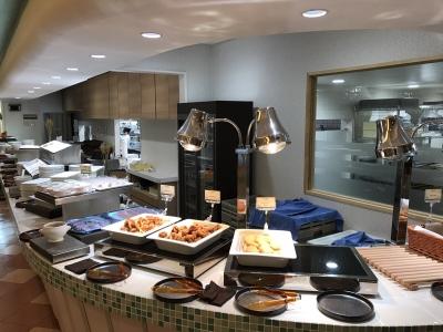 パスタを中心に、料理をビュッフェスタイルで提供。