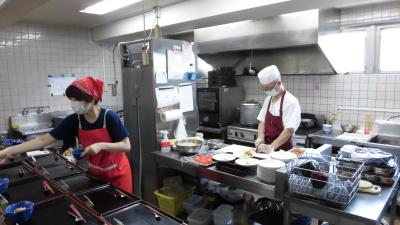 経験を活かしてデイケアサービスの調理師として働きましょう。ご応募をお待ちしております!