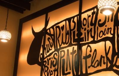 国産A5ランクの和牛のステーキやソーセージなどの幅広い肉料理をはじめ、話題のジビエ料理もご提供!