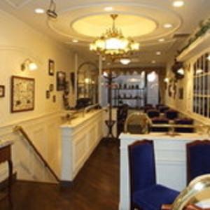 難波駅からすぐ!カフェストリートにある老舗カフェで働きませんか?