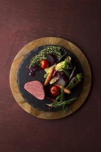 スキルや経験次第では、早い段階で料理長に就任できるチャンスもあります。