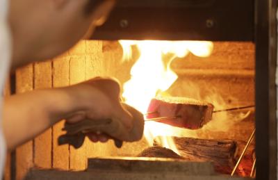 世界のセレブも絶賛する神戸ビーフなどを使ったステーキ、焼肉の調理業務をお願いします!