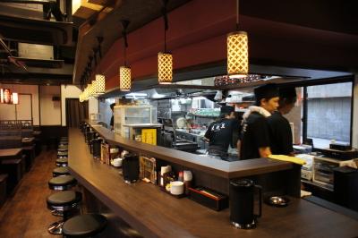 100席ある広々とした「大阪王」京橋総本店ほか、大正店はオシャレなレストランスタイル!