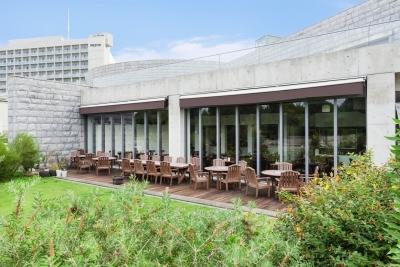 人気の観光スポット「淡路夢舞台」にあるハンバーグ&ステーキレストランで、未経験から未来の店長へ!