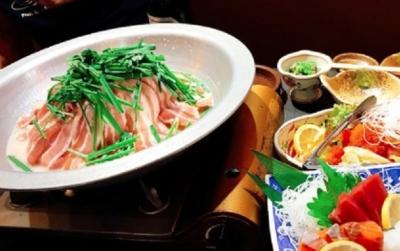 大阪を中心に多数の飲食店を運営。安定して成長を継続しています。