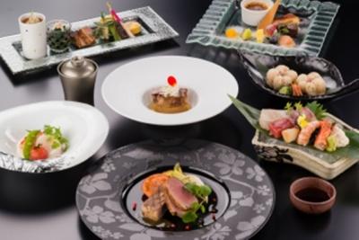 伝統的な和食の技法に、洋の要素を取り入れたオリジナリティあふれる料理の数々を担当してください。