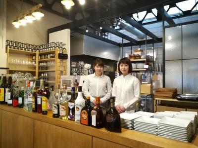 岡山市内にある、カジュアルイタリアン×カフェのお店でホールスタッフを募集します。
