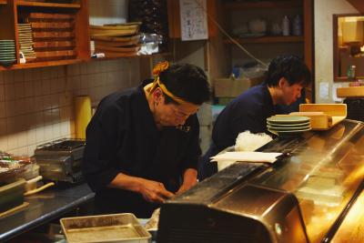 『すし工房 すし吉』で寿司職人の募集です!