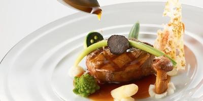 ゲストの記憶に鮮明に残るお料理を、想いを込めて作りましょう