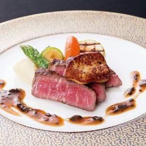 有機野菜をつかった欧風料理とノスタルジックフレンチが楽しめるレストラン。