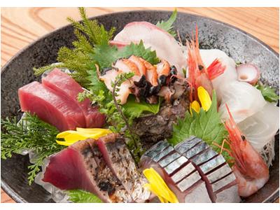 海鮮料理が自慢の居酒屋でホールスタッフを募集します