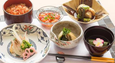 和洋中その他、幅広いメニューを手がけることができ、調理スキルがどんどんアップします!