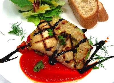 パリスタイルのカフェで、世界の流行を取り入れたフレンチベースの料理をつくってみませんか?
