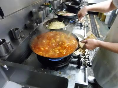 豪快に鍋をふって作る本格中華メニューも多数!中華料理店で鍋や包丁を使った経験は、すぐに活かせます!