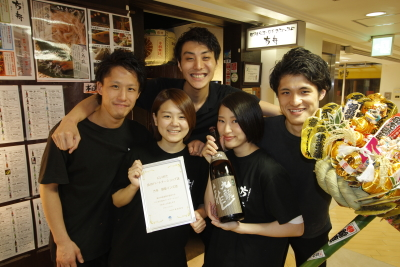 両店共通の「日本酒と食」コンセプトをもちながらも、店舗はそれぞれ個性あり。自由度の高い店作りです。