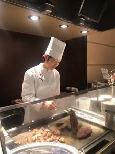 他業態出身の方もOK◎和食から洋食まで多彩なメニューの調理を提供しています。
