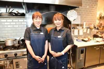 カジュアルなレストランカフェで、調理スタッフを募集しています。