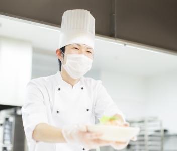 給食事業のパイオニア的企業で活躍を。月8~10日休み・時短勤務など、ライフステージに応じた制度も充実