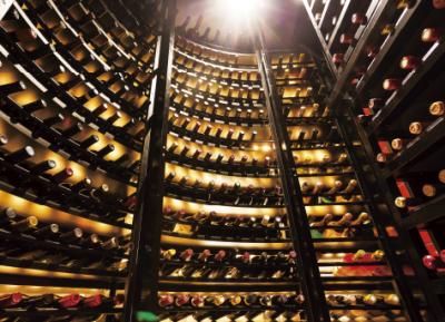 ワインは400種類以上をラインナップ。