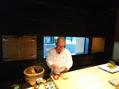 完全予約制の鮨店「鮨 麻生 平尾山荘」で、すし職人を募集します。
