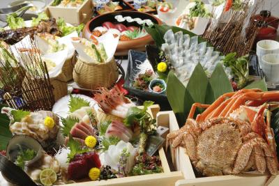 『北海食市場 可祝』では、北海道直送の新鮮な蟹や魚介を贅沢に使用!