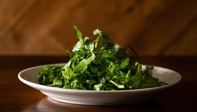 野菜にもこだわり◎ 三浦半島の旬野菜をふんだんに使用して、お肉の味わいを引き立てます。