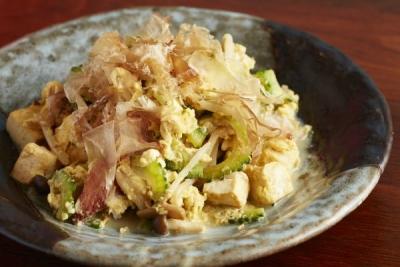 沖縄から直送食材を使ったちゃんぷるー!他にも珍しい沖縄料理がたくさん!