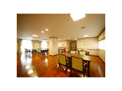 大阪府内で展開する5つの福祉施設で、管理栄養士を募集します。