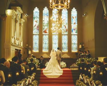 婚礼パーティーを開催した夫婦や参列したゲストがレストランに来店することも、料理人としての喜びに!