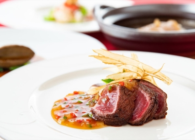 名門ホテルグループで、薬膳料理など高級食材を使った一流の技術を学べるチャンスです!