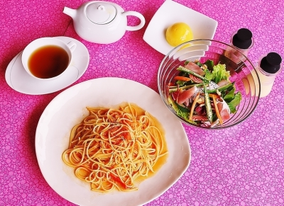 沖縄・宮古島にあるの農家レストランでは、キッチンスタッフを募集中!