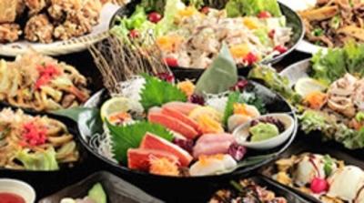 居酒屋や郷土料理店、串焼店など、様々な飲食店を展開中です。