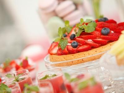 ウェディングケーキやアシェットデセール、デザートブッフェ等の製菓全般をお任せします。