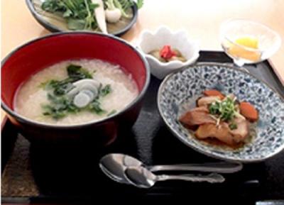 旬の食材や、季節の行事に合わせたお食事も提供します