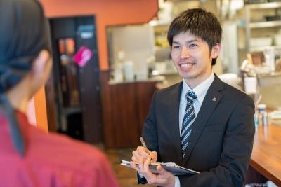 『お好み焼きはここやねん』各店は、それぞれの地域の皆さまに愛され、笑顔の集う場所になっています。