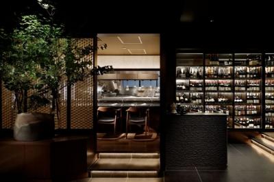 約1,000本完備のワインセラーがある落ち着いた雰囲気でお客様に接客して頂きます!
