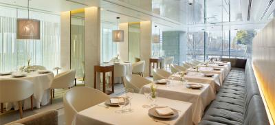 世界各国で一流レストランをプロデュースしているシェフが、2014年にオープンしたお店です。