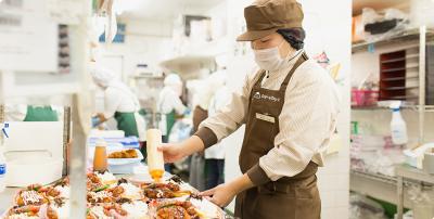 西日本を中心に100店舗以上を展開する企業でご活躍ください。