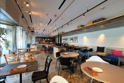 「GOOD MORNING CAFE 」のほかにも、複数の新店プランが動いています。