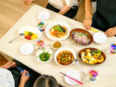 小中学校や保育園など給食業務の受託先の管理業務をおまかせします。
