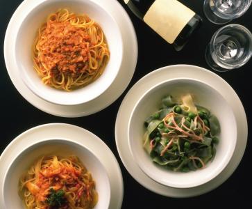 新鮮野菜やビーフや鹿肉など、様々なお肉料理を使ったコース、リーズナブルなパスタランチをご提供!