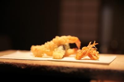 こだわりの厳選食材を使用した天ぷら料理専門店です。昼・夜のコース~アラカルトまでご提供しています。
