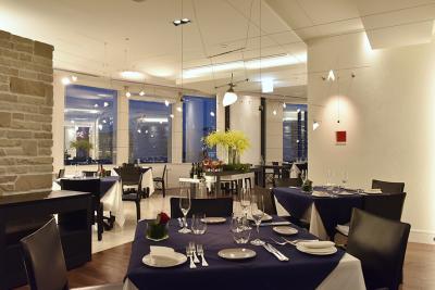 六本木ヒルズのイタリアンレストランで楽しくアルバイト♪