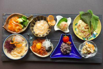 60種類の塩辛や海産物と日本酒が楽しめるお店!